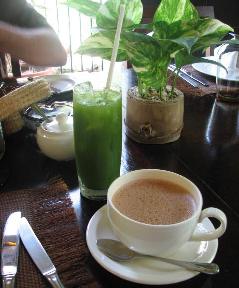 Chaya juice, and chocolate, Hacienda Uayamón, Campeche