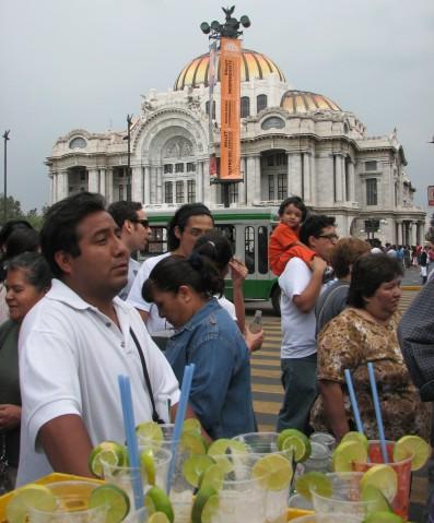 Agua de limón verde, México City